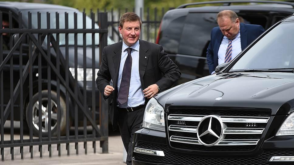 Как псковский губернатор предложил поднять таможенные пошлины на электронику