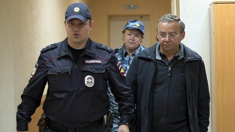 Совладелец группы компаний «Ренова» Евгений Ольховик (справа)
