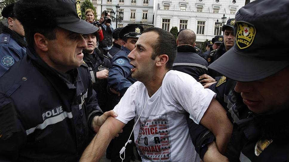 Почему глава МВД Грузии издал указ о мобилизации полицейских сил