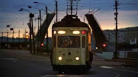 Трамвайные облигации проследовали в НПФ // Независимые инвесторы не рискнули вложиться в общественный транспорт
