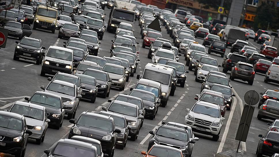 Почему для борьбы с пробками могут изменить нормы проезда перекрестков