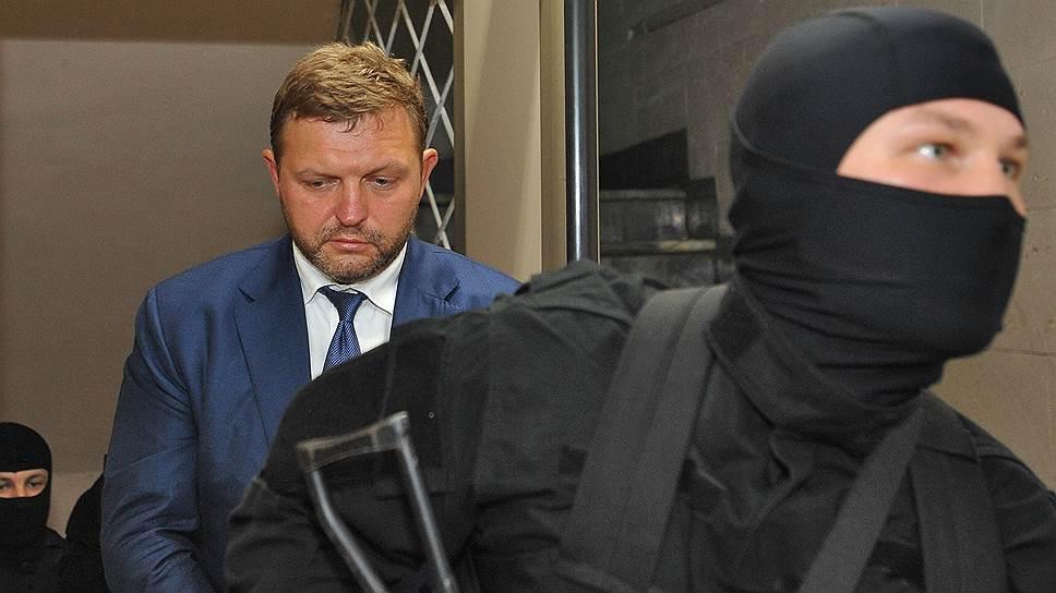 Почему суд отменил арест имущества экс-губернатора Кировской области Никиты Белых