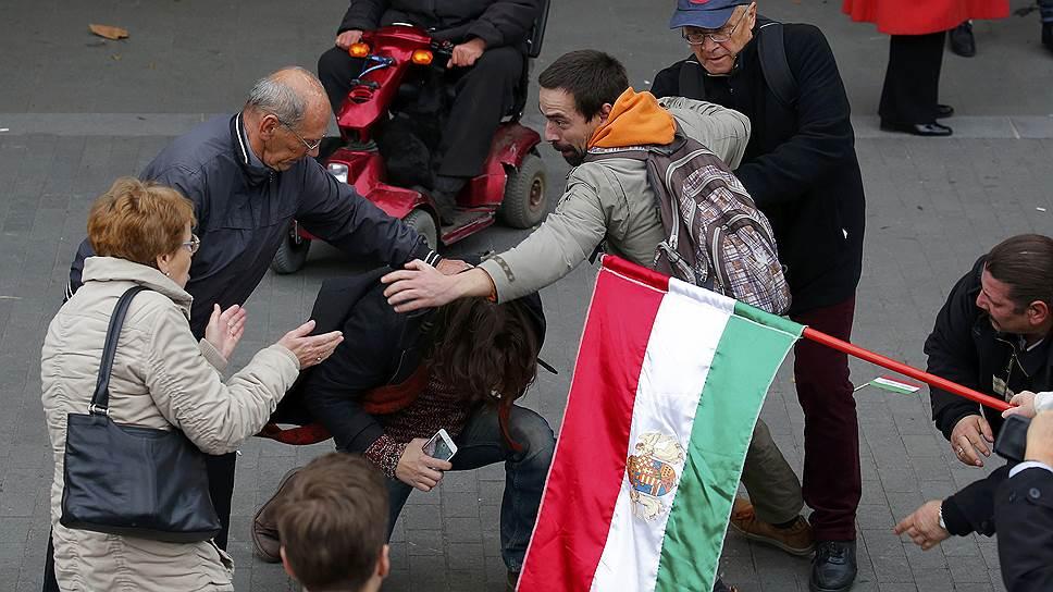 Почему оппозиция обвиняет премьера Венгрии в предательстве идеалов 56-го года