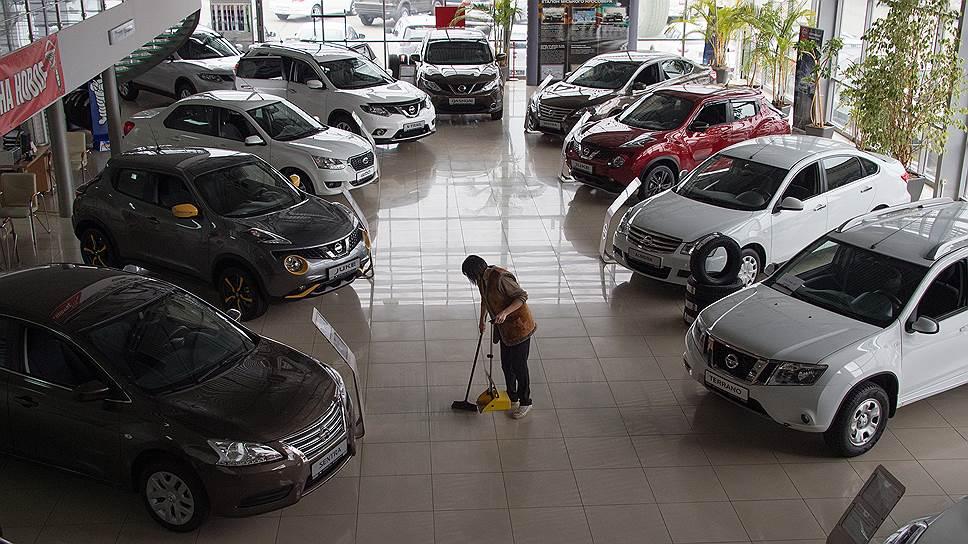 Как цены на машины погнались за рублем