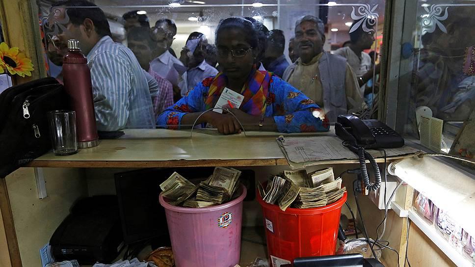 По замыслу властей Индии денежная реформа поможет «отмыть» экономику страны