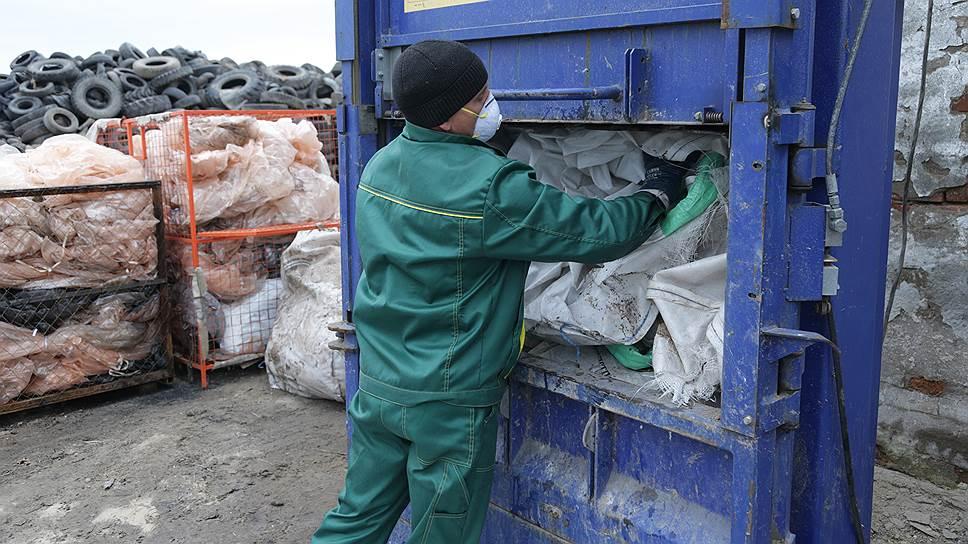 Почему откладывается реформа сбора отходов