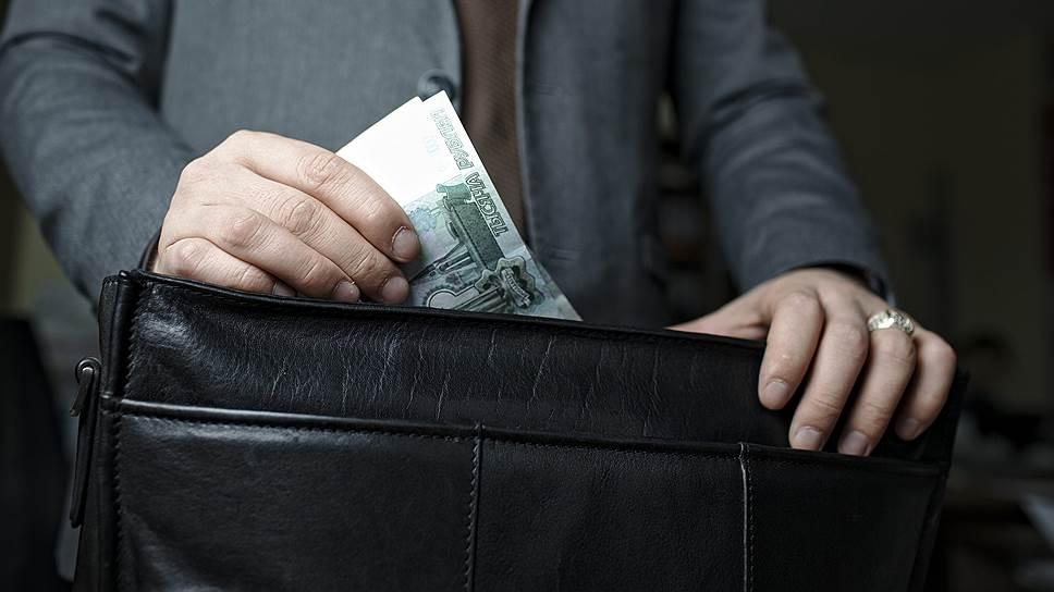 Граждане воздерживаются от оценки коррупции