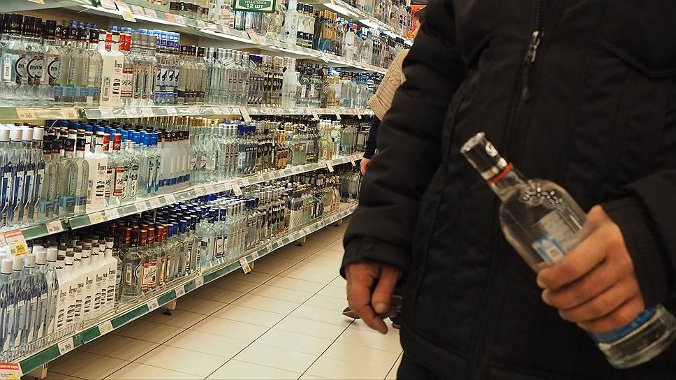 В 2017 году алкоголь можно будет купить, предъявив водительское удостоверение