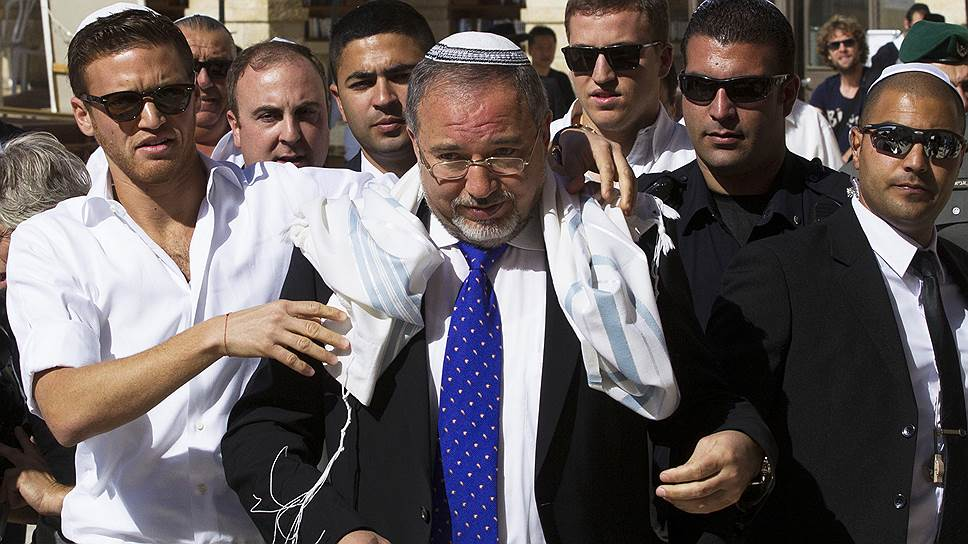 Почему обострились отношения еврейского государства с мировым сообществом