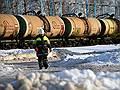 Бензин утекает свозь шпалы // ОАО РЖД согласилось с идеей создания баланса перевозок нефтепродуктов