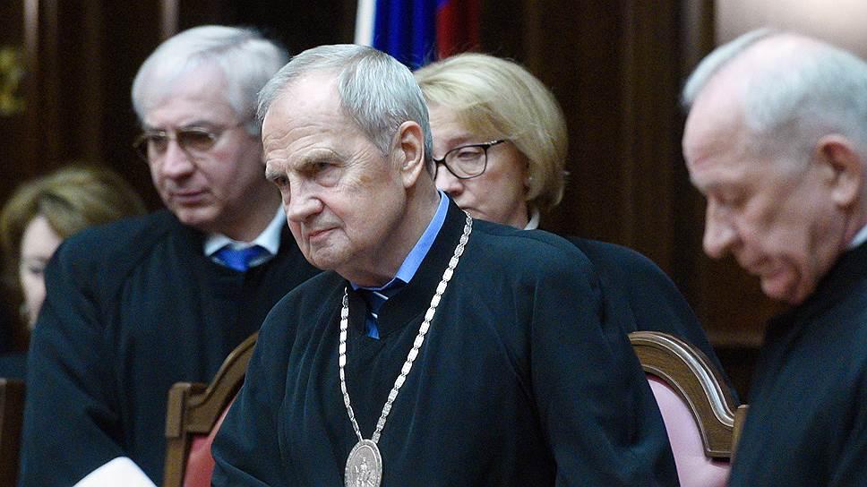 Почему КС запретил России возмещать ущерб по делу ЮКОСа