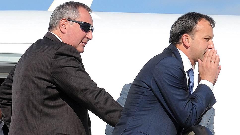 Главам рабочих групп комиссии по импортозамещению Дмитрию Рогозину и Аркадию Дворковичу пока удалось привлечь к закупкам российской промышленной продукции только восемь крупных инвестпроектов с господдержкой