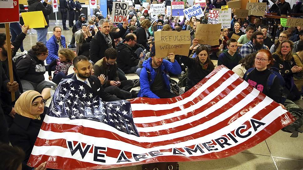Как новый иммиграционный указ противопоставил США остальному миру