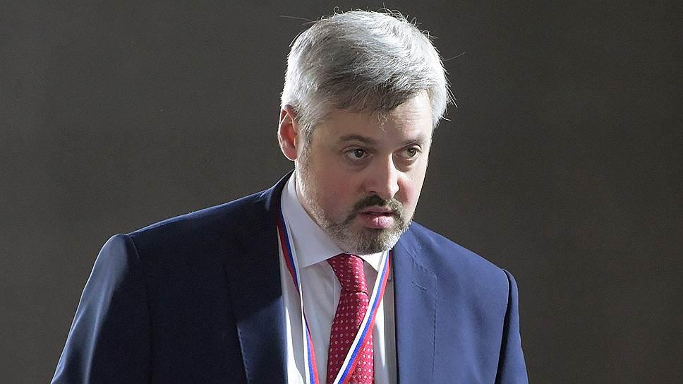 Почему общественным проектам Кремля понадобился новый куратор