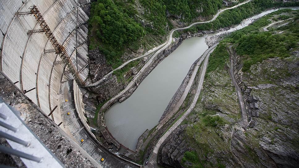 По какой схеме Россия поставляла электроэнергию в Абхазию