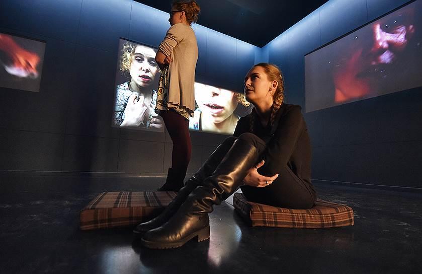 Видеоинсталляция Кейти Митчелл показывает режиссерский театр ХХ века со всех сторон