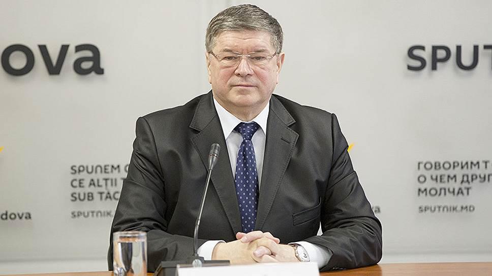 Президент и правительство Молдавии разделили посольские должности