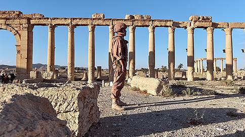 Сирийская кампания наращивает счет  / В боях под Пальмирой погиб 28-й российский военнослужащий