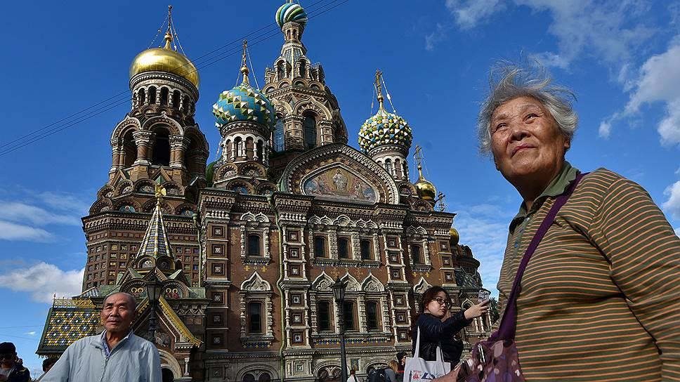 Почему растет интерес иностранных туристов к России
