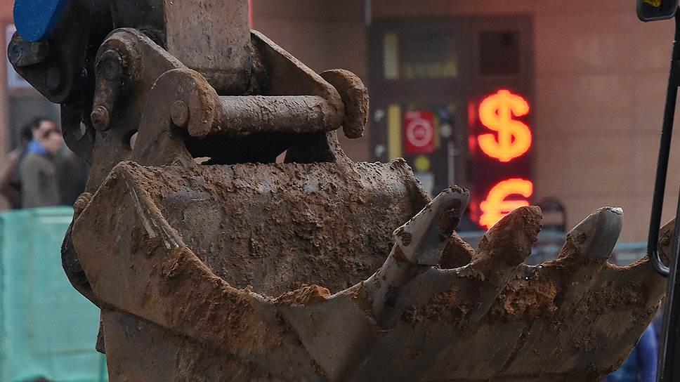 Как нефть сократила добычу рубля
