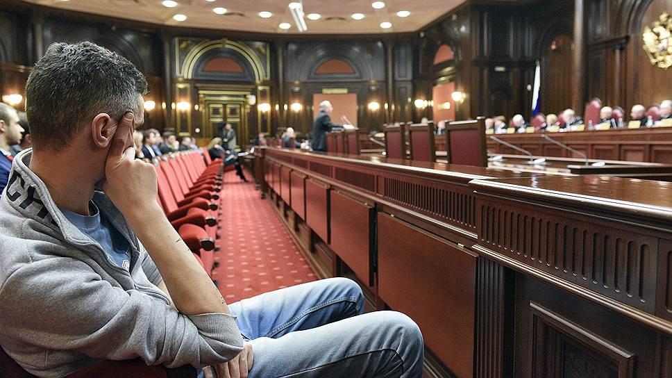 Как Конституционный суд разрешил задерживать протестующих ради их безопасности
