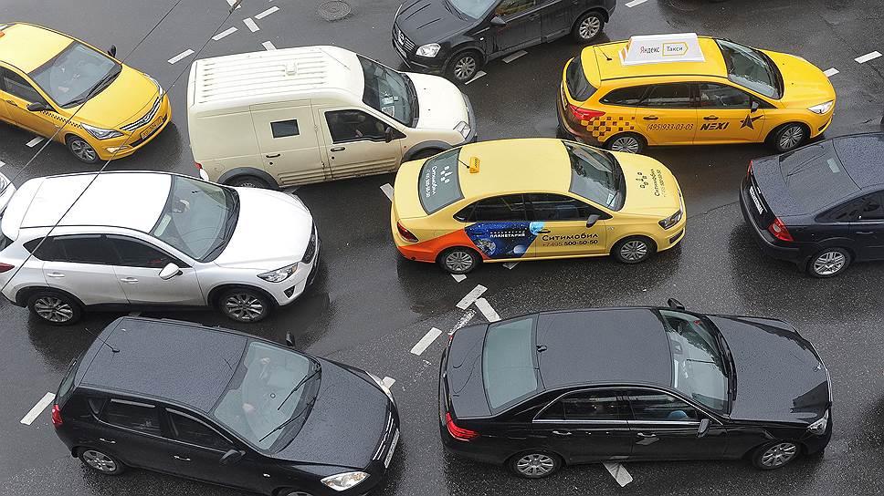 Почему в России решили изменить правила проезда перекрестков