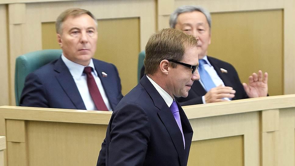Как в Совете федерации подбирают замену умершему Вадиму Тюльпанову