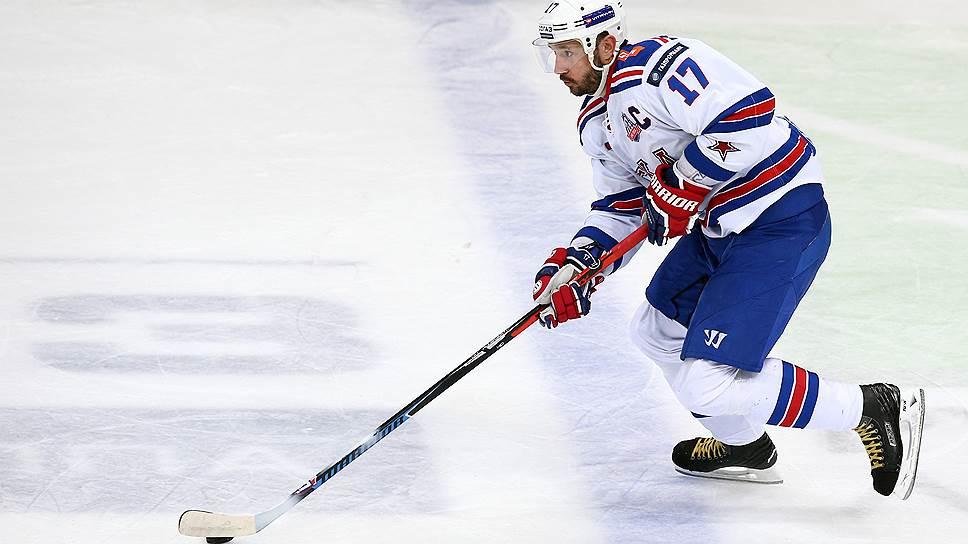 Результативность самого звездного форварда КХЛ Ильи Ковальчука (на фото) в нынешнем сезоне оказалась выше результативности самого звездного форварда НХЛ Сидни Кросби