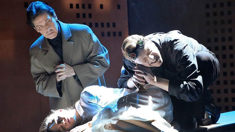 На сцене Театра на Малой Бронной разворачивается история про общемировой Салем
