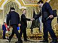 Гряди в оба! // На переговорах в Москве Владимир Путин и Синдзо Абэ осторожно дрейфовали вокруг Курильской гряды