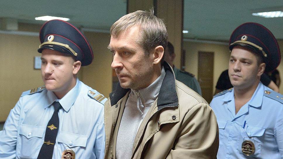 Практически все члены семьи Дмитрия Захарченко замешаны в тех или иных коррупционных схемах