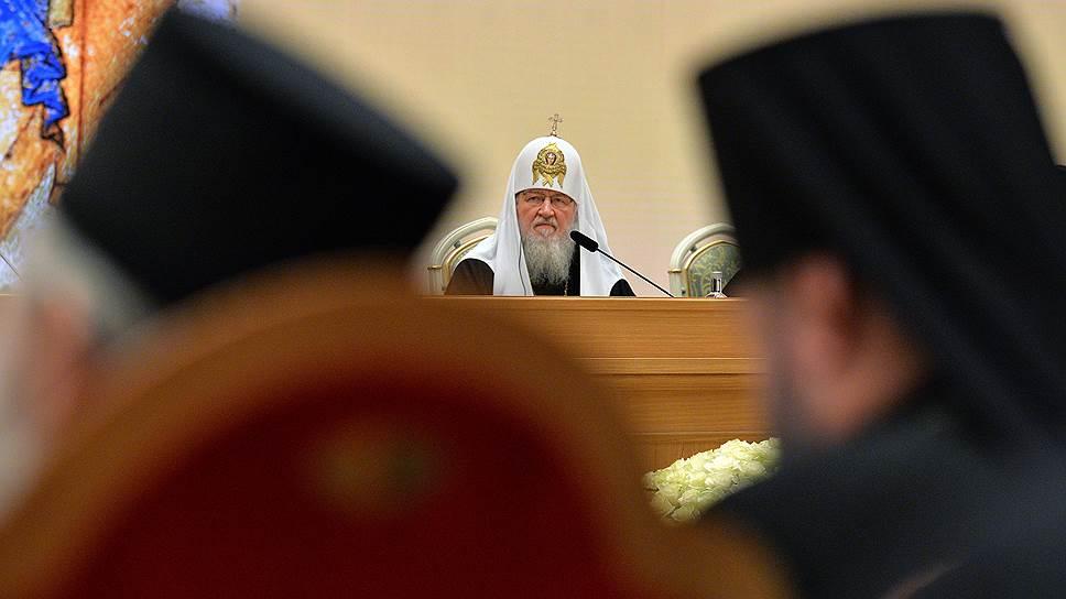 Патриарх Кирилл попросил политических и конфессиональных лидеров защитить украинские православные общины от украинских законодателей