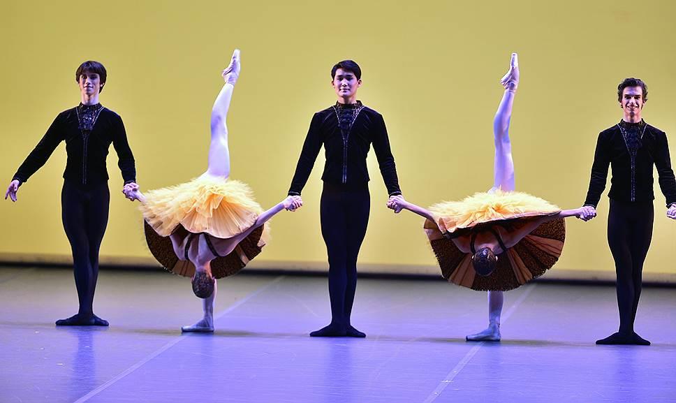 «Вариации на тему рококо» позволили выпускникам МГАХ испытать на себе современные ракурсы классического танца