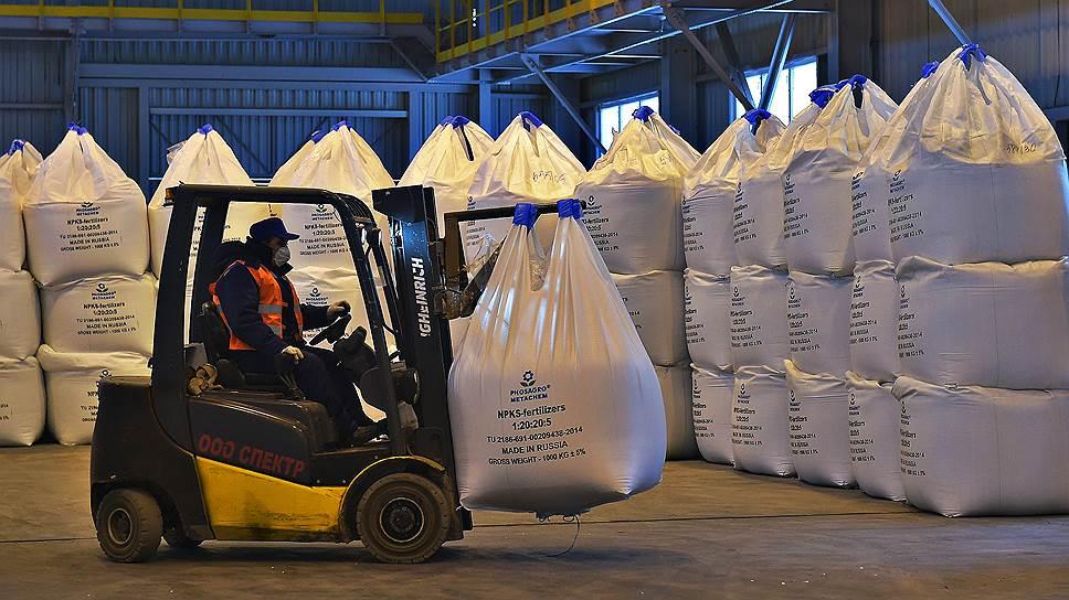 Киев вводит заградительные пошлины на азотную продукцию из России