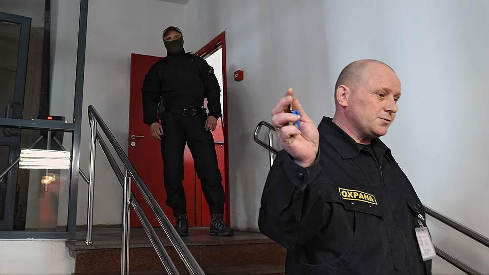 Силовики пришли с обыском в «Гоголь-центр» по делу о крупном мошенничестве с бюджетными средствами