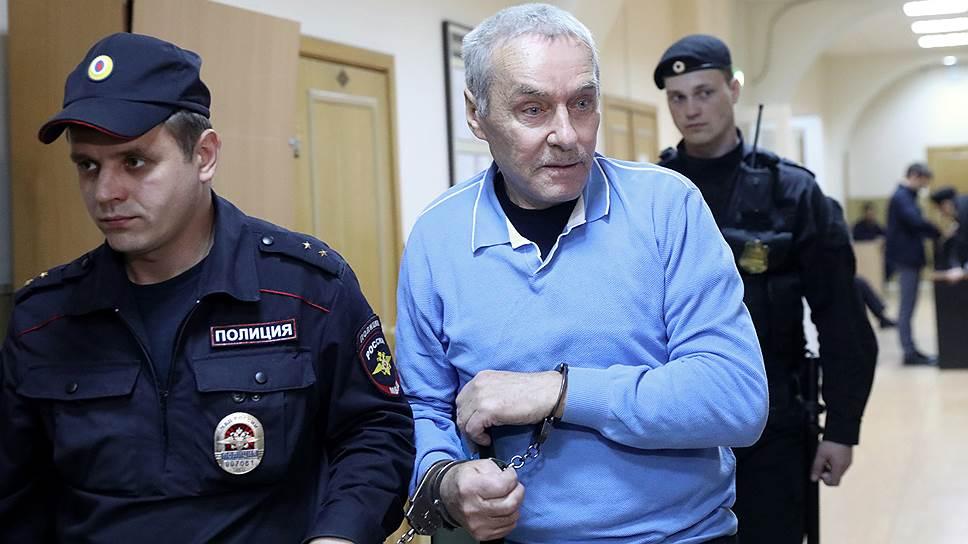 Отец полковника Захарченко тоже оказался миллионером
