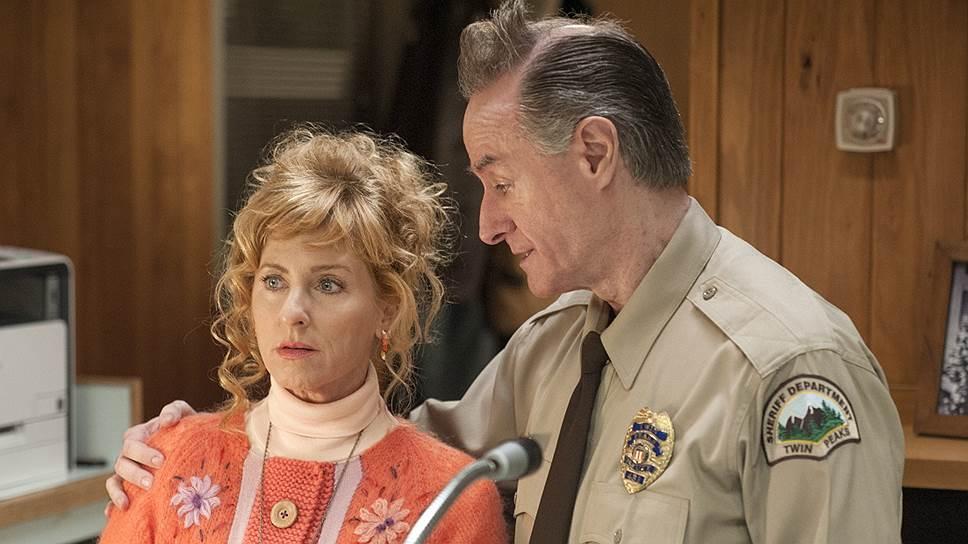 25 лет спустя Люси Моран (Кимми Робертсон) и помощник шерифа Энди Бреннан (Гарри Гоаз) остаются самыми человечными персонажами сериала
