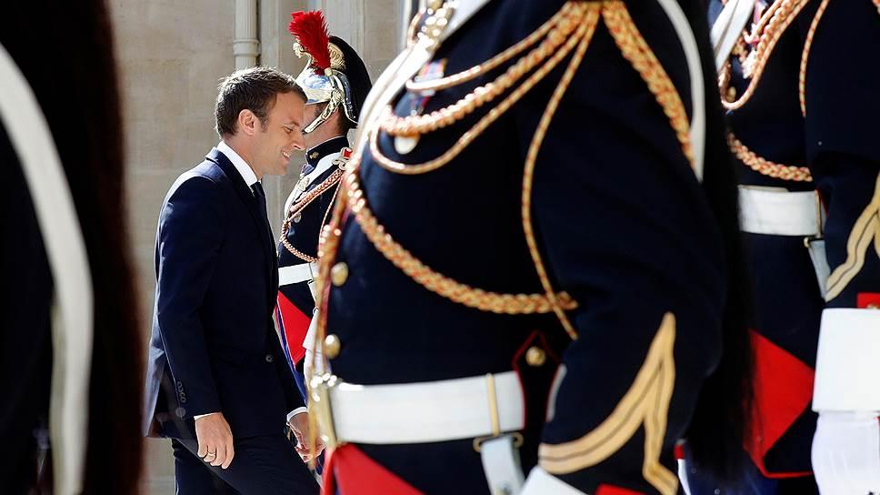 Как Эмманюэль Макрон берет Францию под контроль