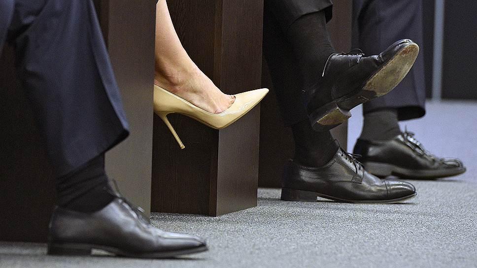 По оценке МОТ, 20% мужчин и 14% женщин считают, что женщина не должна работать за пределами своего дома
