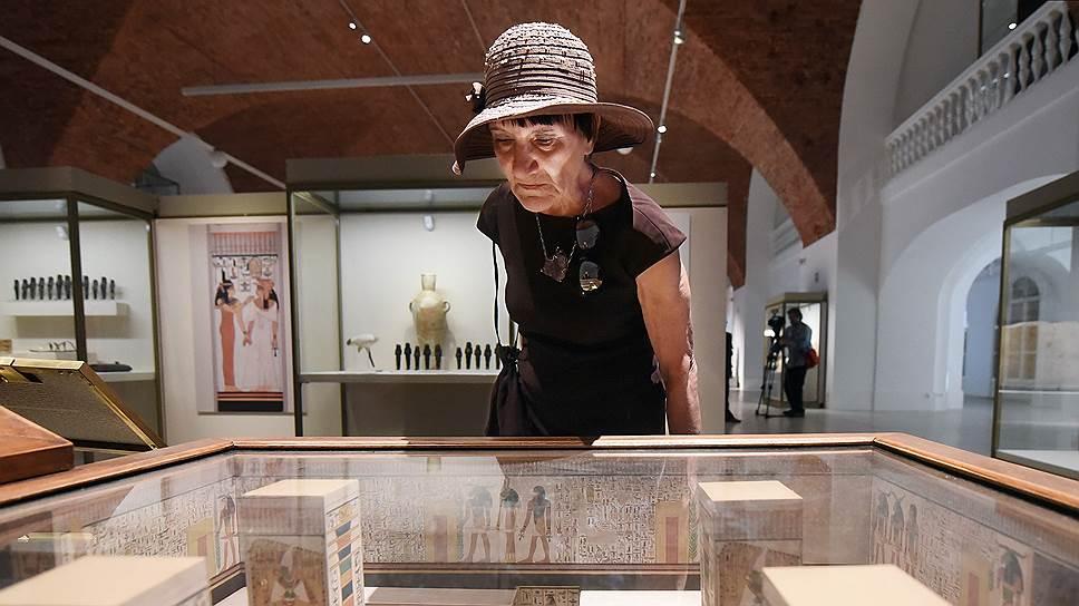 Выставка позволяет заглянуть если не во внутренний мир жены Рамсеса II, то хотя бы в ее посмертное жилище