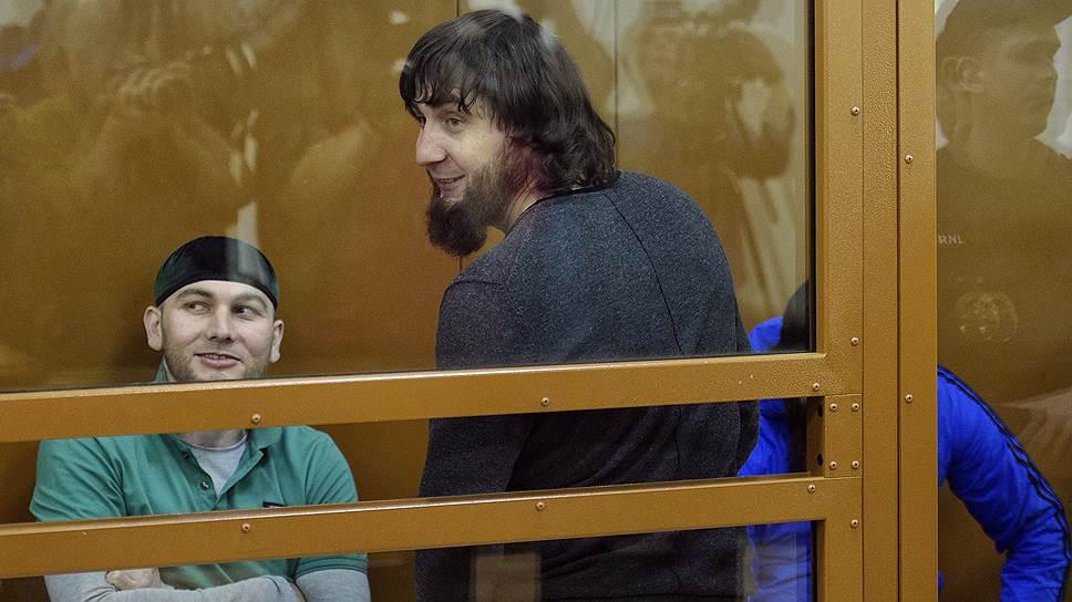 По итогам вердикта Заур Дадаев (в центре) может получить пожизненный срок
