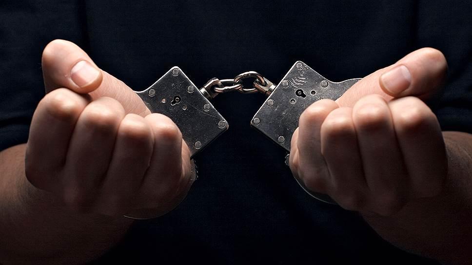 За что были арестованы сразу пятеро офицеров ФСБ