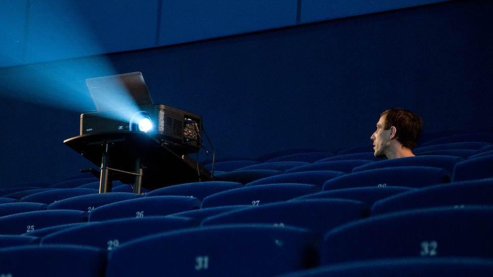 Аудитория кинотеатров предпочитает более дешевые билеты