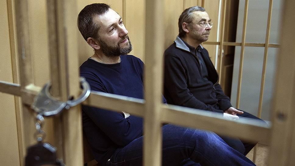 Евгений Ольховик (справа) и Борис Вайнзихер могут стать фигурантами дела о незаконной банковской деятельности