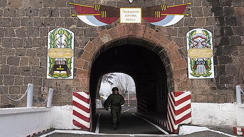 Оборудование с танков сняли в новогоднюю ночь // Сержанты-контрактники получили минимальные сроки за хищение