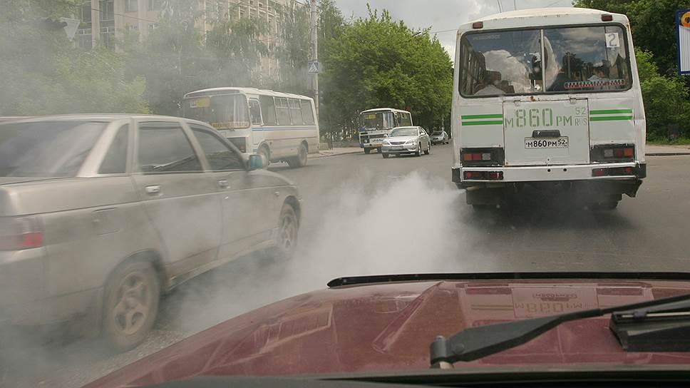В ПДД ввели ограничения в движении для автомобилей с низким экологическим классом