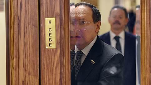 Выборам главы РАН придали утвердительное наклонение // Последнее слово в процедуре останется за президентом РФ