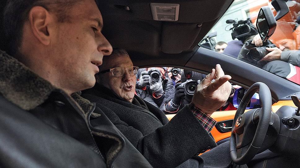 Бизнесмен Михаил Прохоров (слева) и лидер ЛДПР Владимир Жириновский