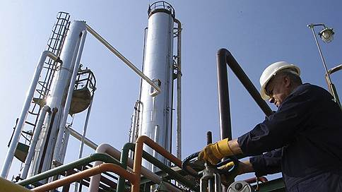 Нефтяной сделке нагадали долгую жизнь // Сокращение добычи может быть продлено