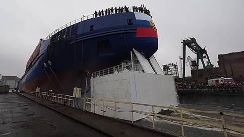 «Виктору Черномырдину» тесно на Балтзаводе // ОСК передает ледокол Адмиралтейским верфям